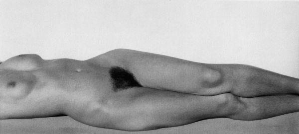 Alfred Stieglitz_Georgia OKeeffe - Torso_1931 Foto Katalog 600