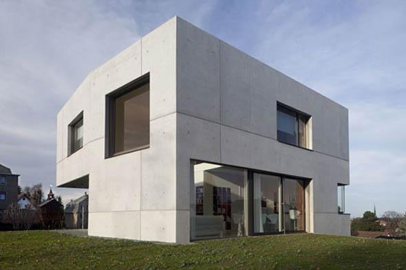 facade-maison-du-beton-by-atelier-st
