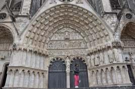 Tympan et facade entrée cathédrale de Bourges