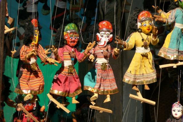 Nepal_Katmandou_rue_marionnettes