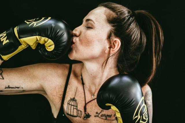 boxe-femme-gant